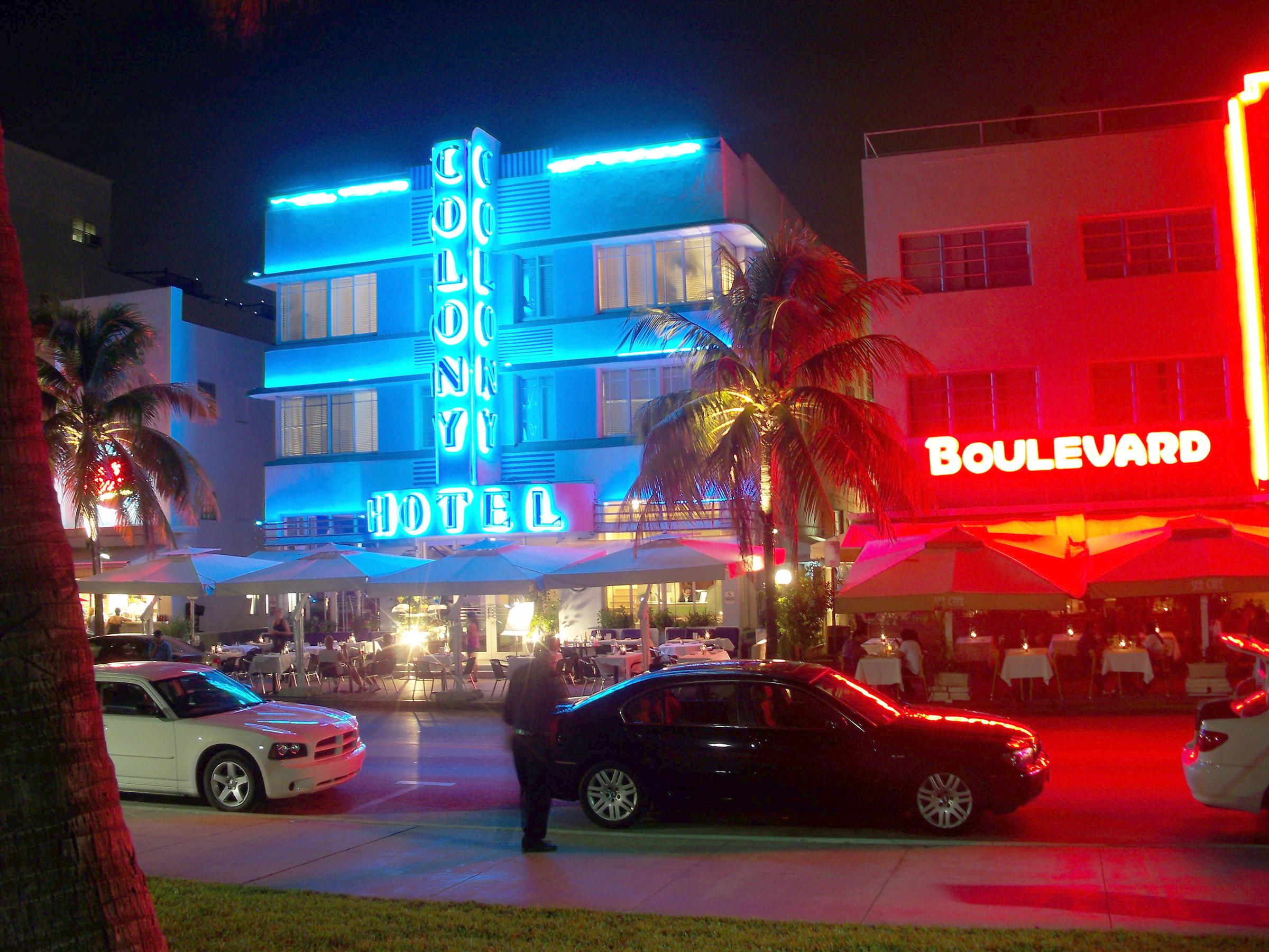 The Neon Soaked Ocean Drive Will Be Closed To Vehicles From Friday Tuesday Morning For Memorial Day Weekend