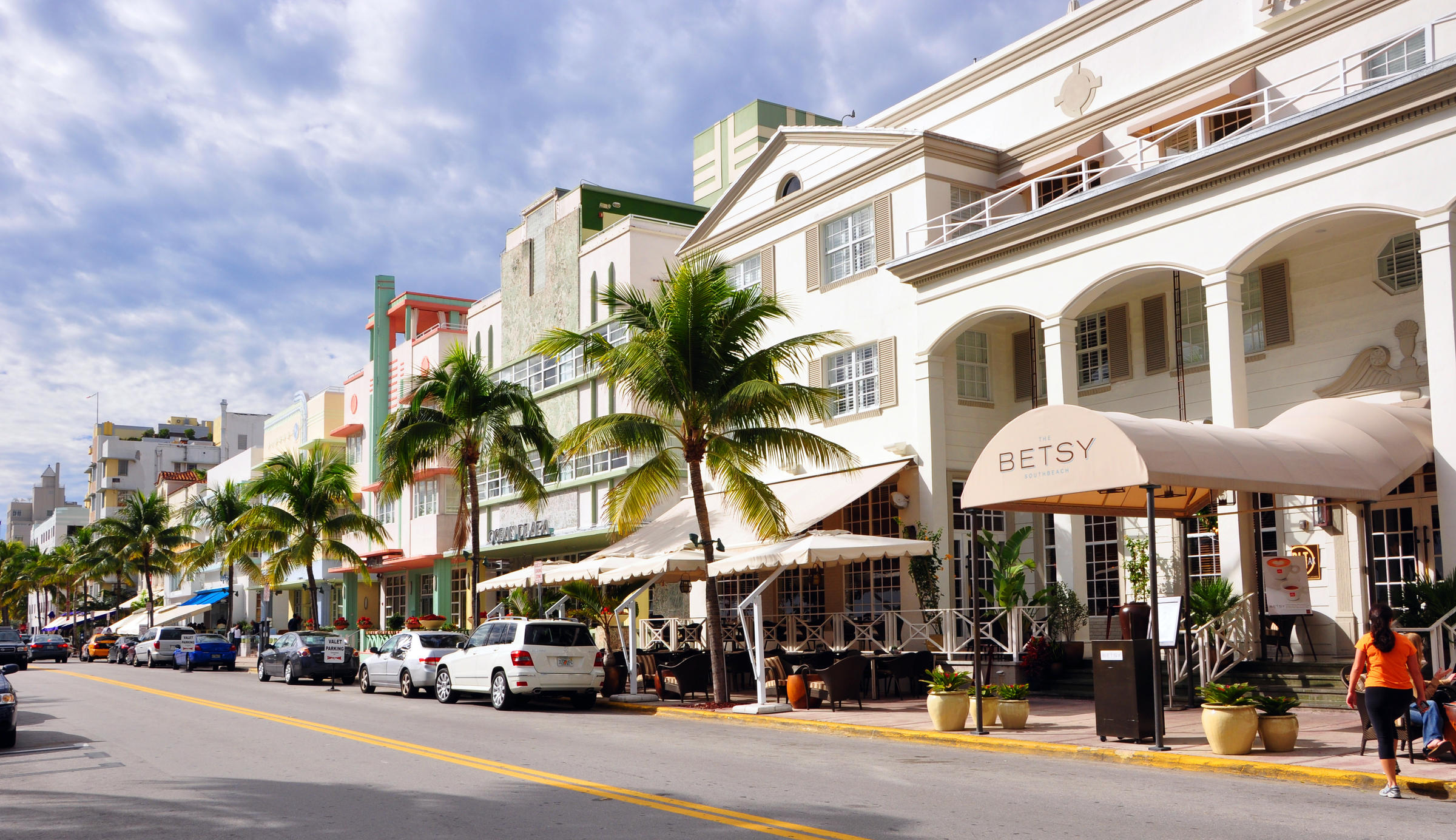 The Active Transmission Zone Lies In Heart Of Miami Beach Tourists From All Over World Visit Here