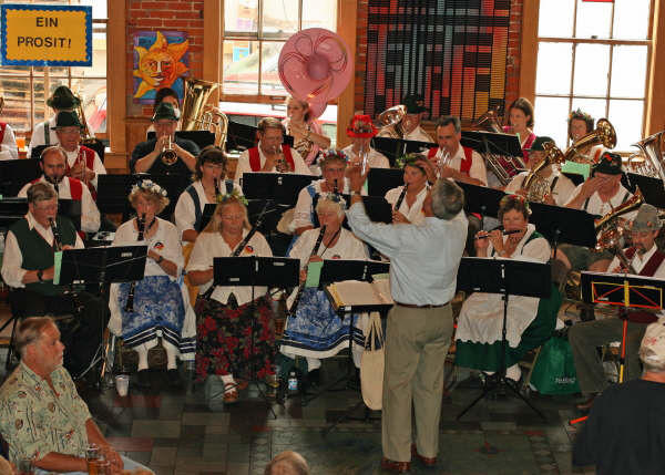 You know German folk songs, says Bell's Oktoberfest