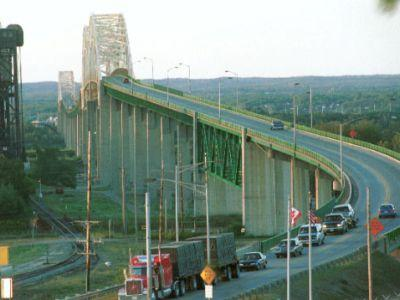 Canada Loosens Border Controls so That Family Can Reunite