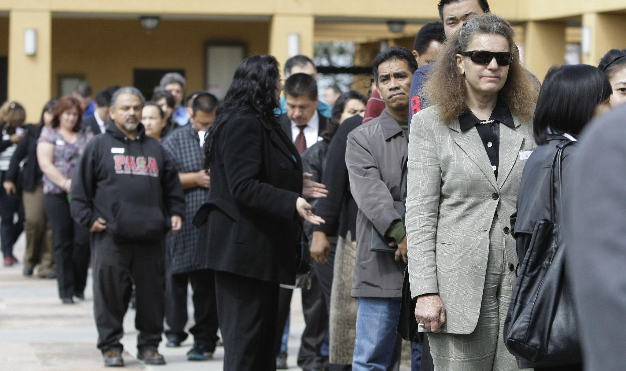 USA unemployment claims surged by 2.4 mn last week