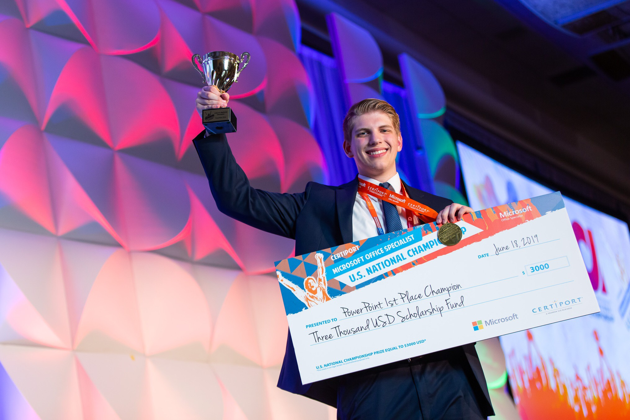 Alabama teen wins PowerPoint world title | Alabama Public Radio