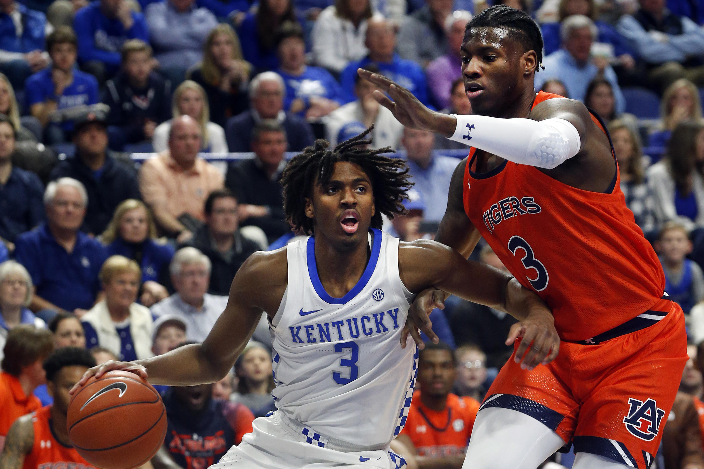Defense wins (SEC) championships: Kentucky thrives on stopping Auburn in Saturday's win