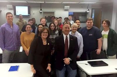 Usf St Pete Majors >> Usf St Petersburg Class Examines Local Politics Close Up Wusf News