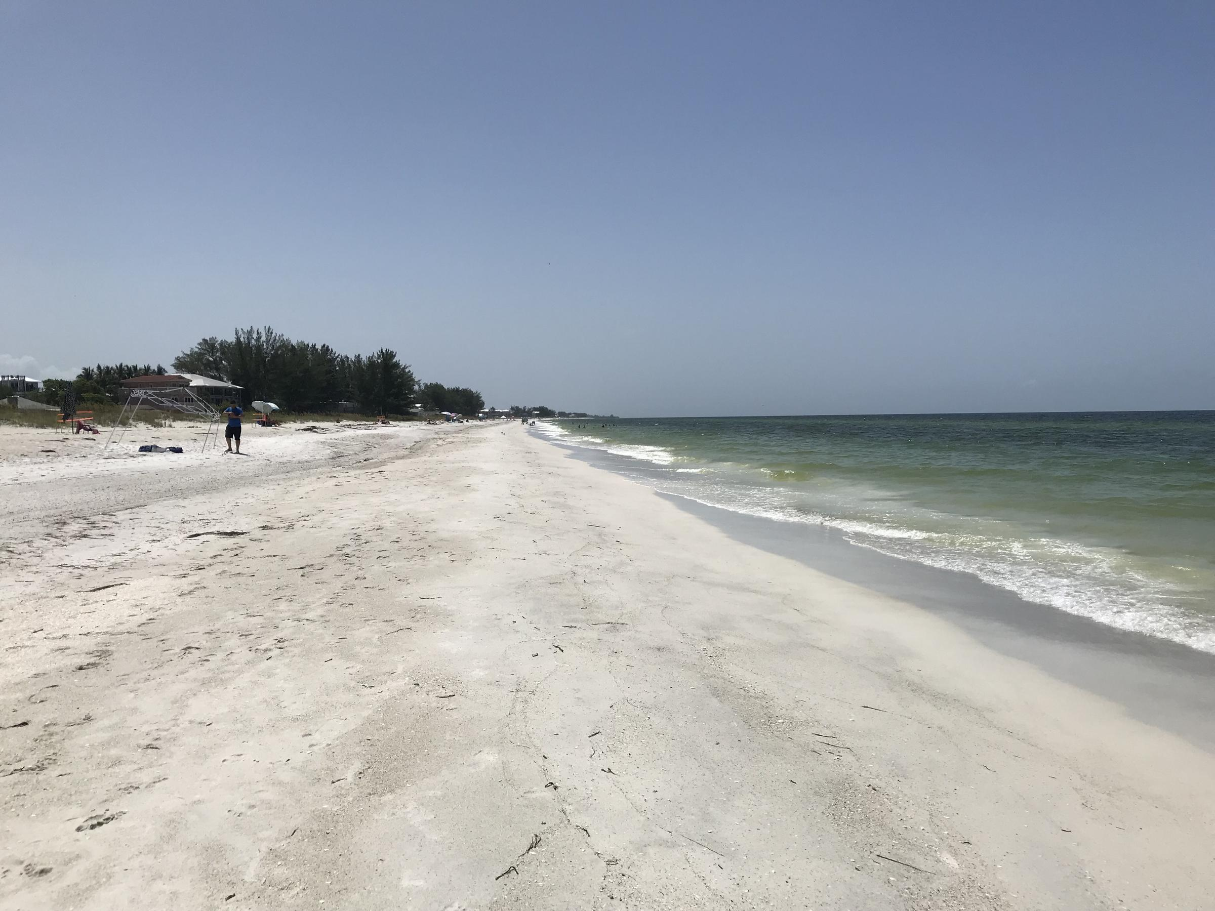 Holmes Beach Is One Of The Florida Beaches That Has Been Affected By Red Tide