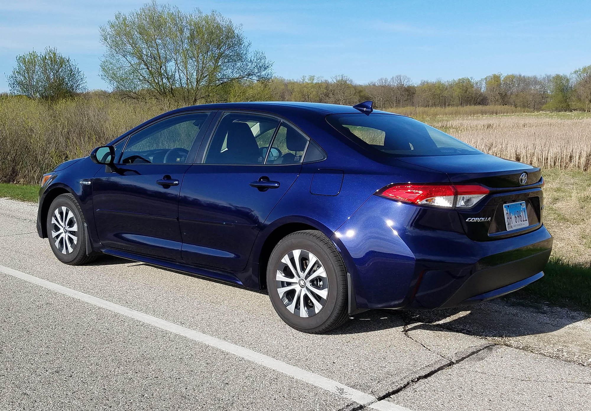 Toyota Corolla Mpg >> 2020 Toyota Corolla Le Hybrid Review High Value High Mpg Low