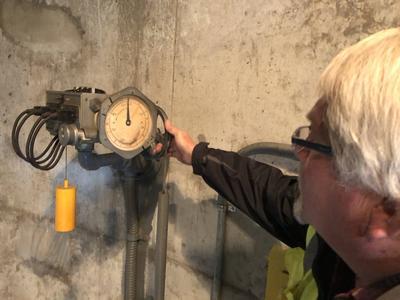 Ironton Manual Grease Filler Pump