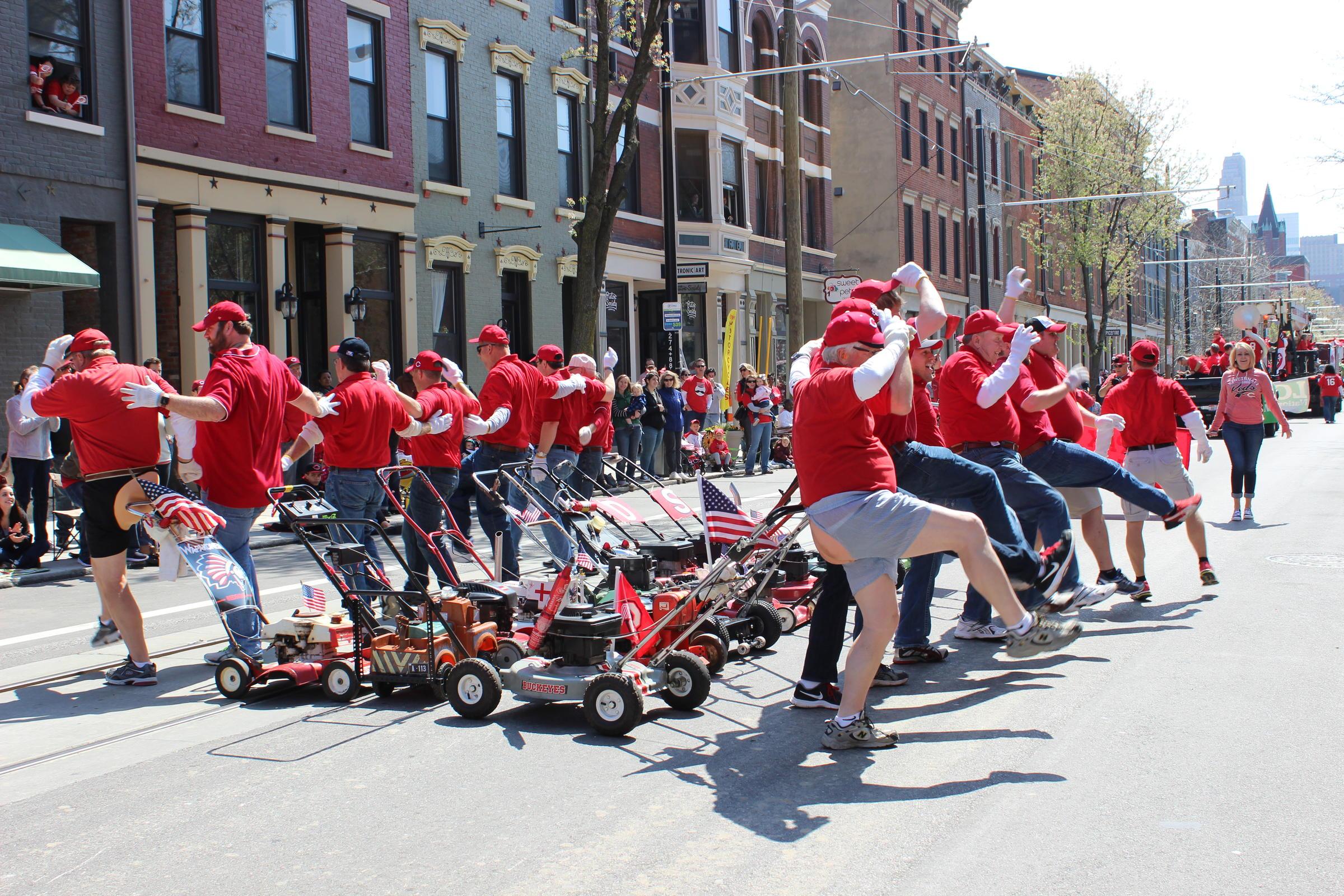 cincinnati reds opening day parade 2020