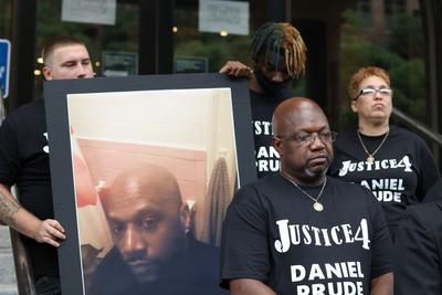 Etats-Unis: un autre afro-américain meurt d'étouffement suite à une violence policière