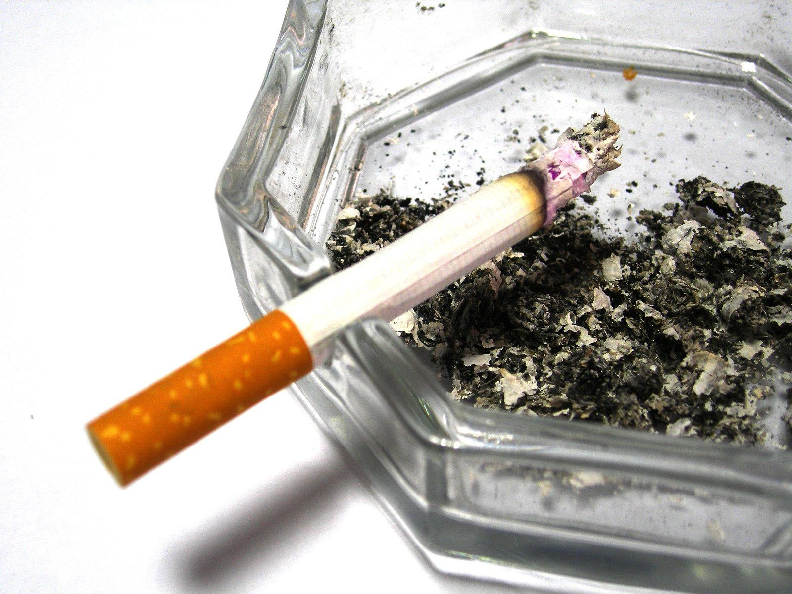 New York state poised to raise smoking age from 18 to 21